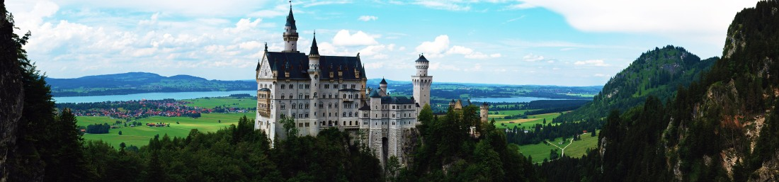 neuschwanstein_castle_panorama_bavaria