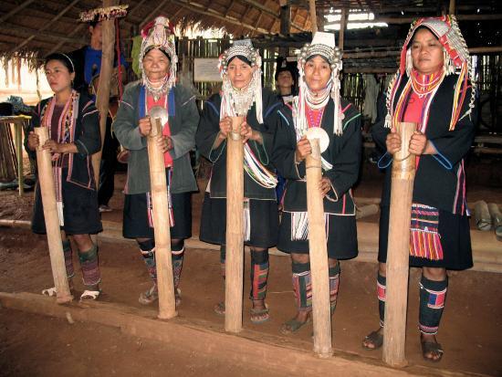 lahu-village-chang-rai-thailand