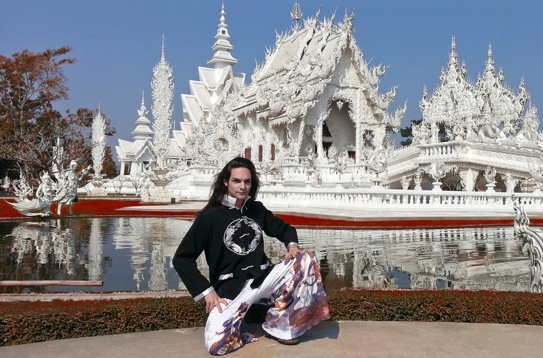 telombre at white temple in chiang rai wat rong khun