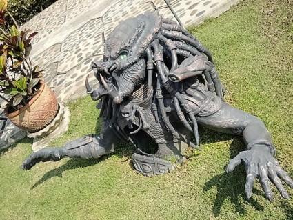 predator au wat rong khun