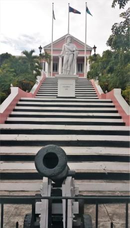 Christopher Columbus devant la maison du gouverneur