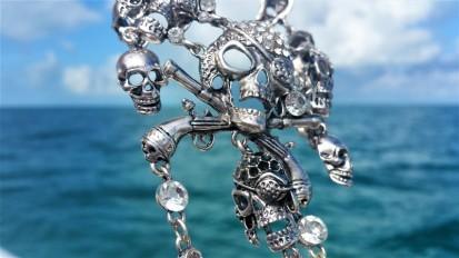 neckless pirate tresor bahamas
