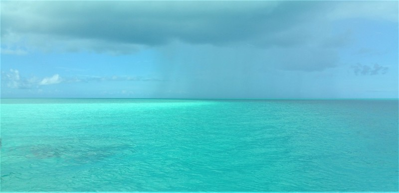 turquoise color sea excursion nassau in bahamas