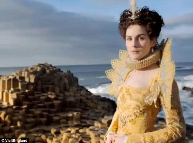 michelle-dockery-_-giants-causeway-_-northern-ireland-_-historical
