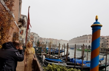 Carnaval de Venise shoot backstage