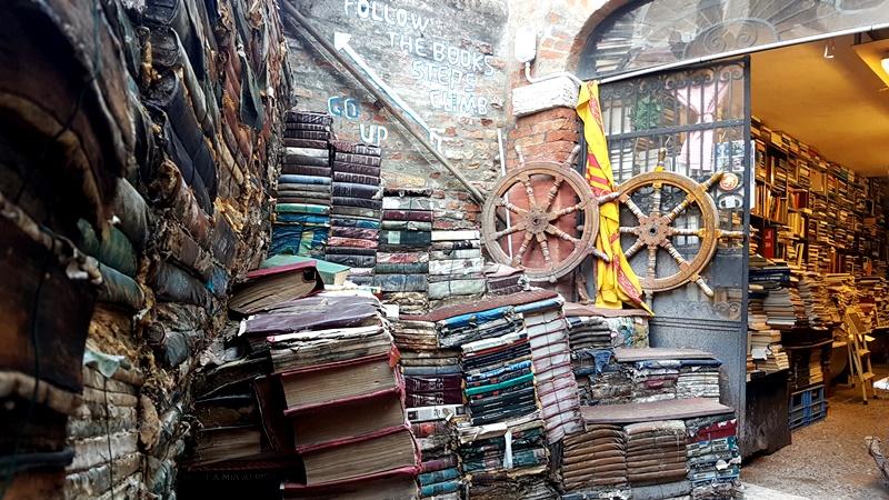 Carnaval de Venise bibliothèque aqualta