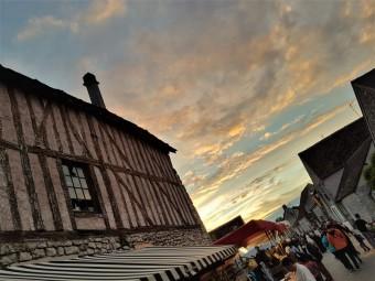 coucher de soleil aux medievales de provins