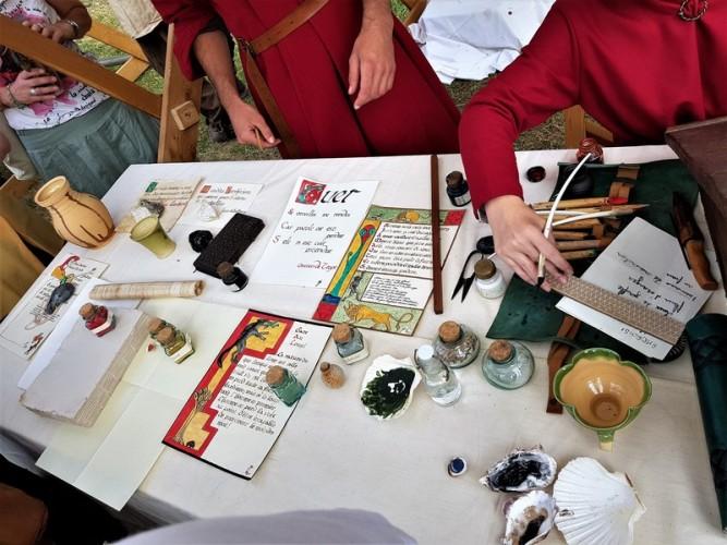 enluminure au festival medieval de provins