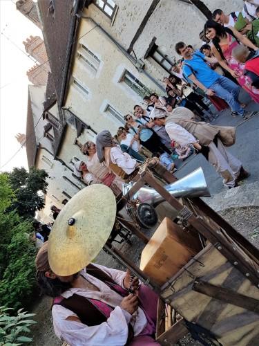 spectacle de rue foire au festival medieval de provins