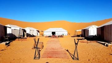 entrance luxury desert camp merzouga