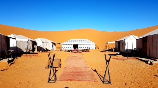 entrance luxury desert camp merzouga