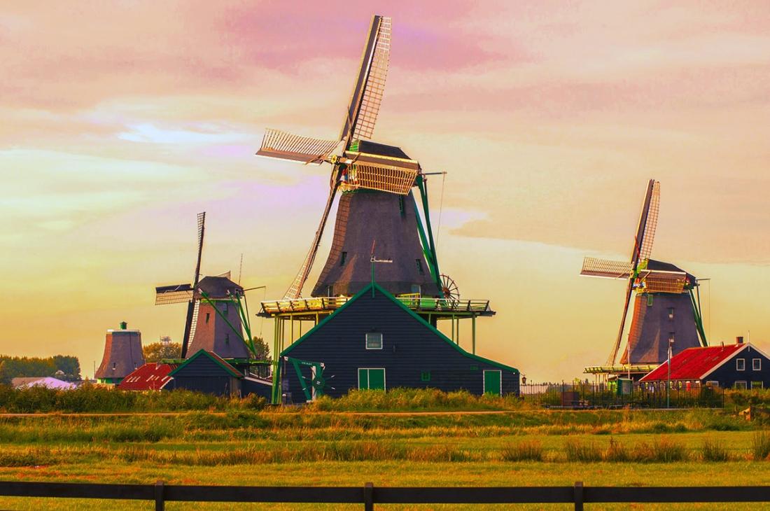 moulins a Zaanse Schans aux pays bas