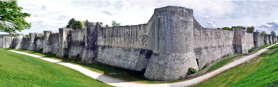 Pano_Provins_remparts