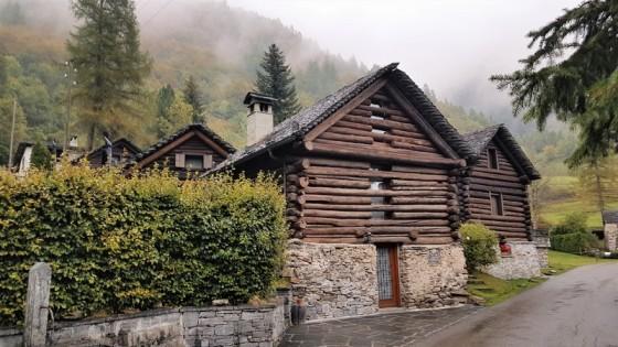 Eglise Mogno de Mario Botta (13)