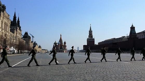 défilé militaire sur la place rouge