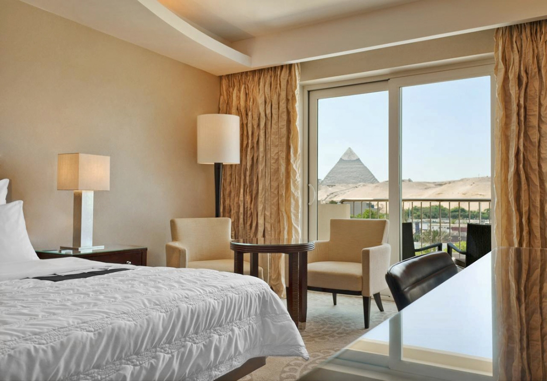 Meridien hotel spa view room pyramids