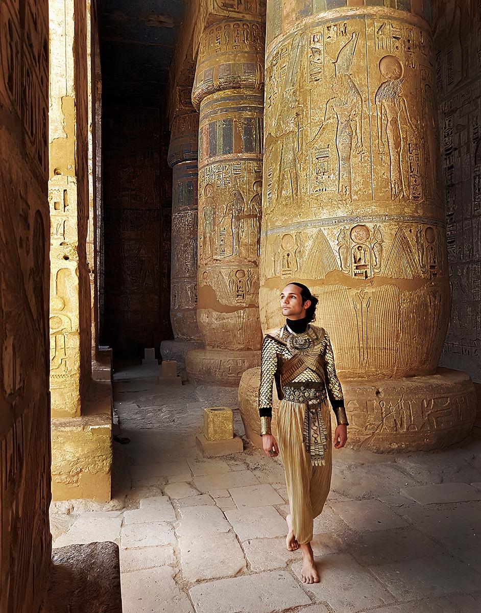 Telombre ramses III pharaon costume medinet habou egypt